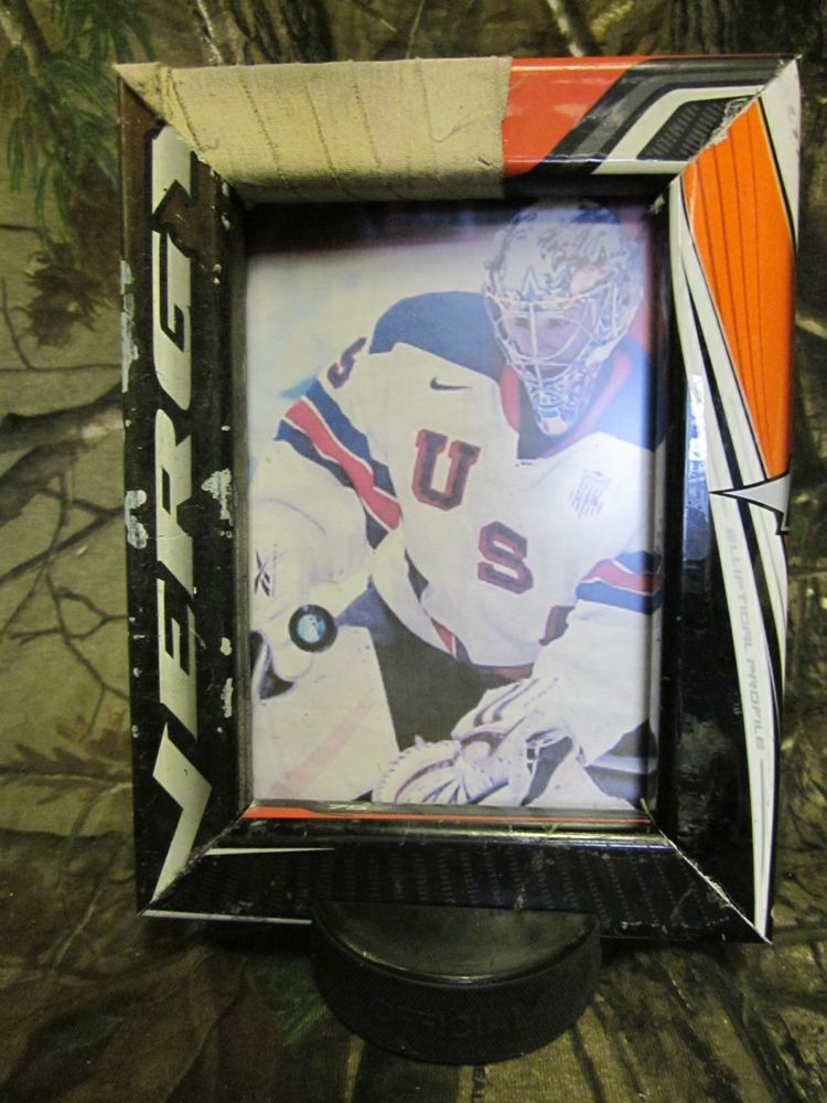 Modern Hockey Stick Picture Frame Photo - Custom Picture Frame Ideas ...
