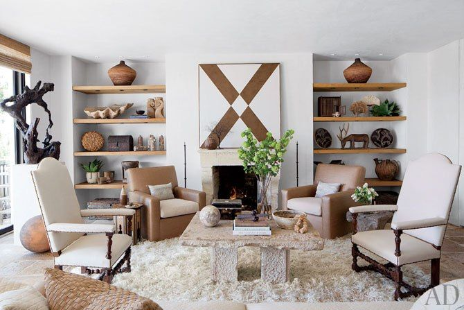 Look Inside A Film Producer S Refined Malibu Weekend Home Contemporary Living Room Home Living Room With Fireplace