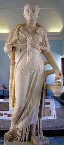 bd55c0522d0 Clothes in ancient times: the clothing of a Roman priestess of Isis ...