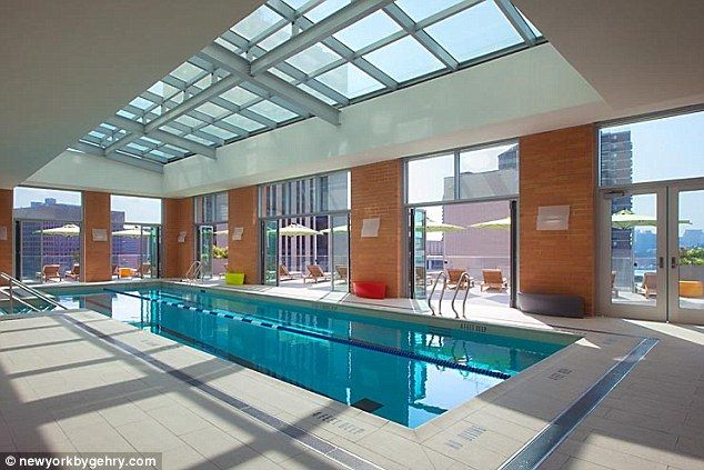 Living The Very High Life Take A Tour Of The 60 000 A Month New York Penthouse That S The Tallest In The Us At 870 Feet New York Penthouse Hostels Design New York Buildings
