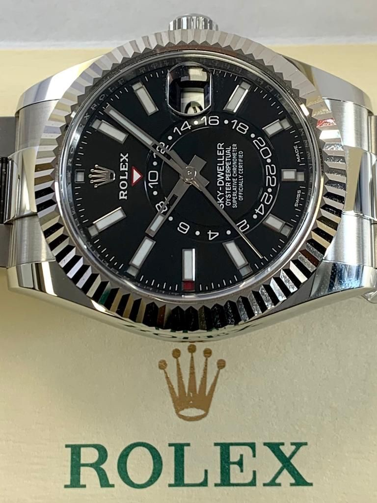 Rolex Sky Dweller Stainless Steel Black Dial 326934the Charismatic And Highly Technical Rolex Sky Dweller Is The Perfect Co Best Watch Brands Sky Dweller Rolex