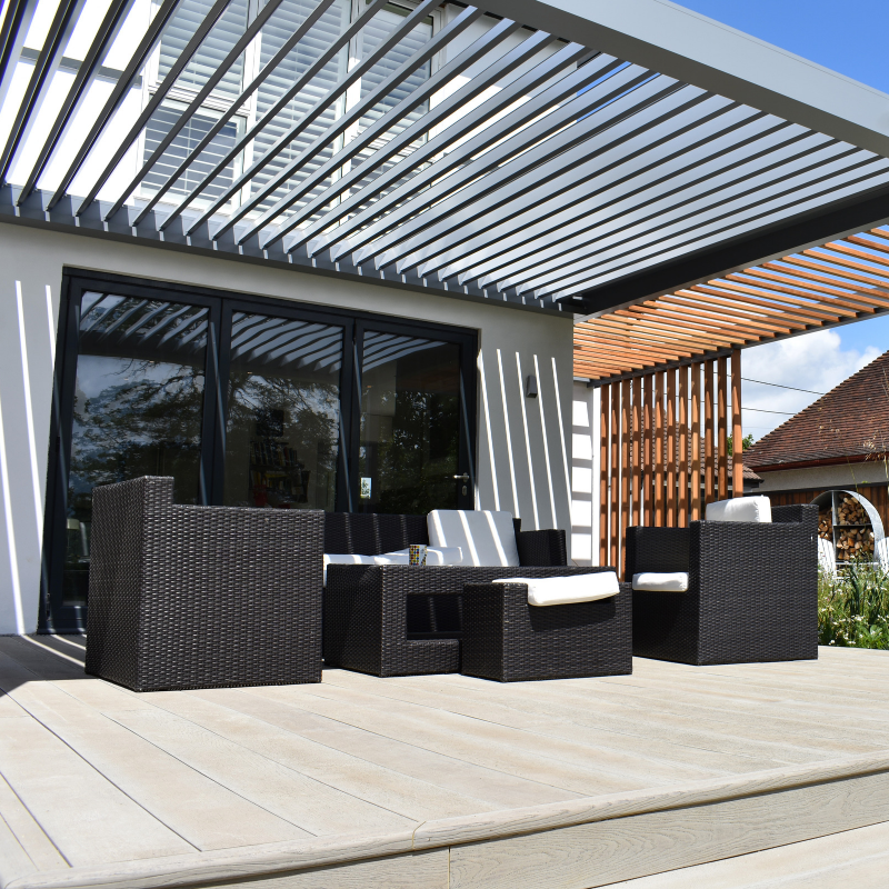 The Lux #LouvreRoofs from IQ Outdoor Living are completely ... on Bespoke Outdoor Living id=80973