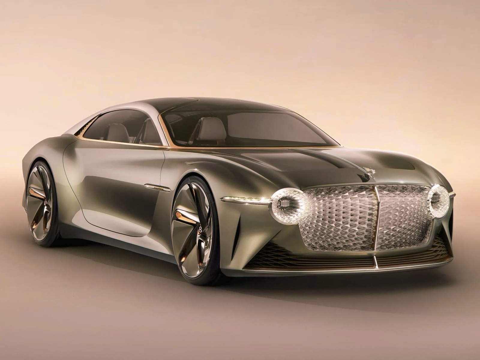 Bentley présente le concept-car électrique EXP 100, écologique et respectueux de l'environnement.