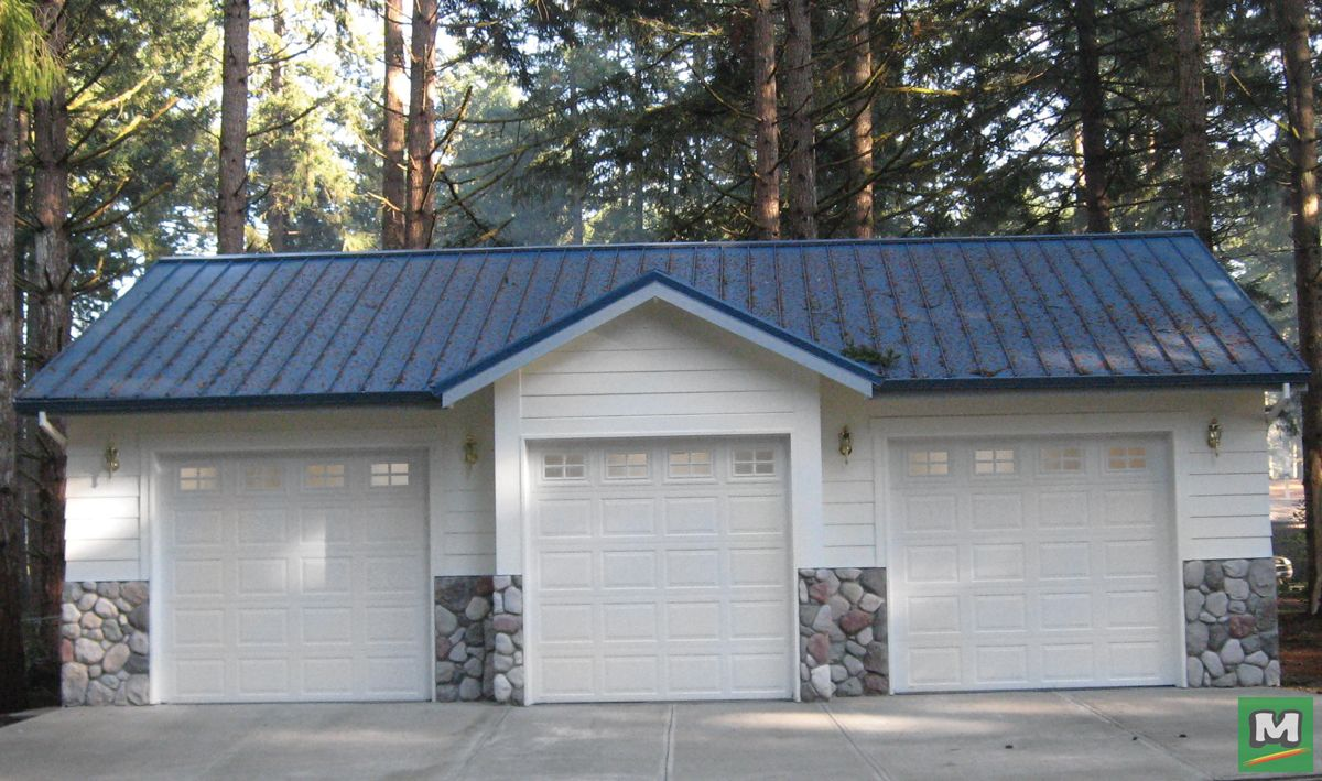 This 3 Car Garage Project Measures 26 X 36 X 10 When Constructed It Features Three 9 X 8 Overhead Ga Farmhouse Style House Car Garage Wooden Garage Doors