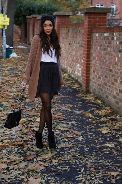 Skirt: PINE. Tshirt, Turban & Boots: ASOS. Cardigan: TopShop.   Tights: American Apparel. Bag: Chanel.