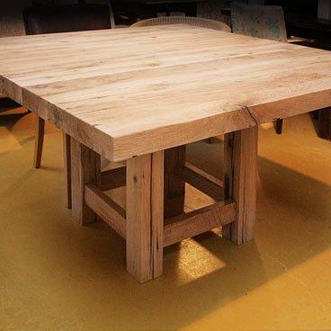 Robuuste Vierkante Eettafel.Robuuste Vierkante Eikenhouten Tafel Image Keuken
