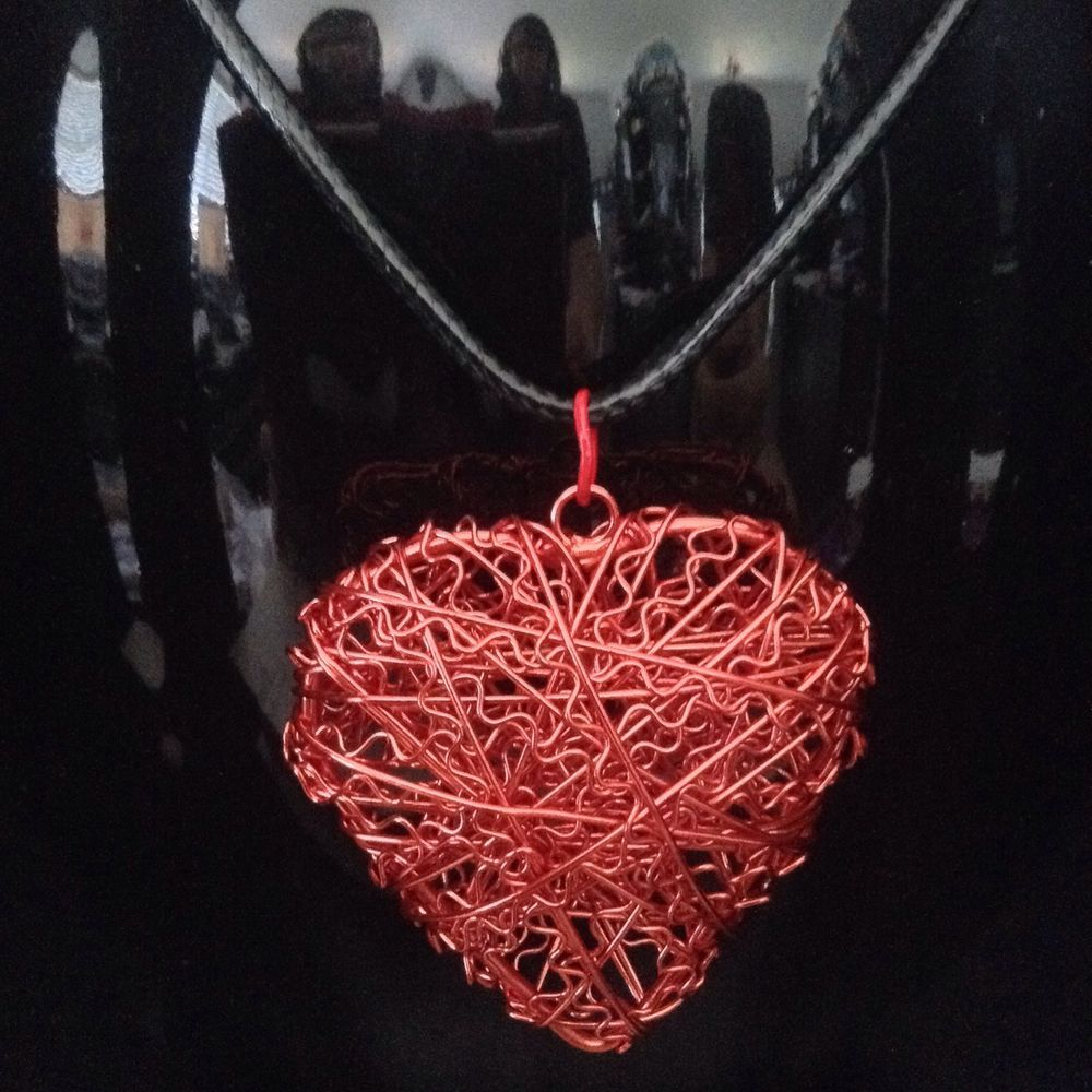 Red wire heart pendant available handmade by janelle ebay stores red wire heart pendant available handmade by janelle ebay stores 2000 mozeypictures Gallery
