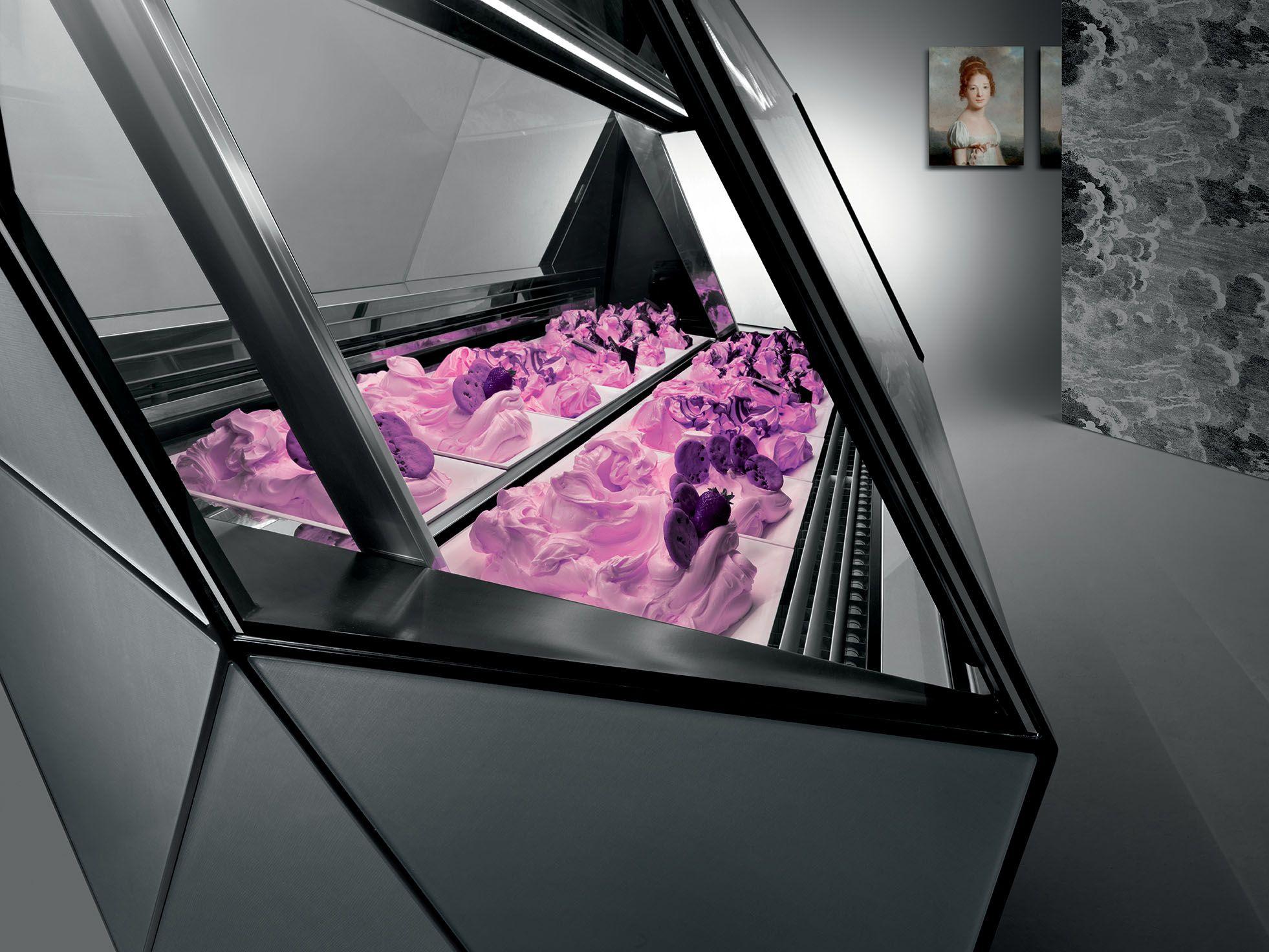 #Amazing #FB #vetrina #showcase #pasticceria #gelateria #icecream #pastry #shop #interior #design #inspiration #rendering