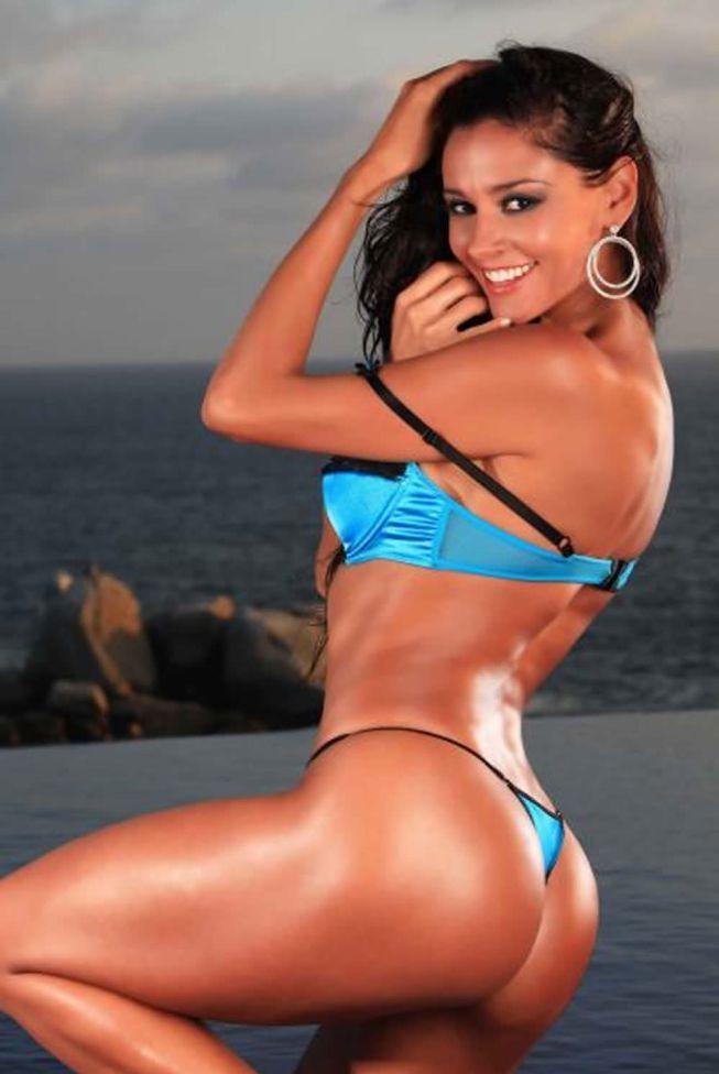 Resultado de imagen para argentinas con bikini albiceleste