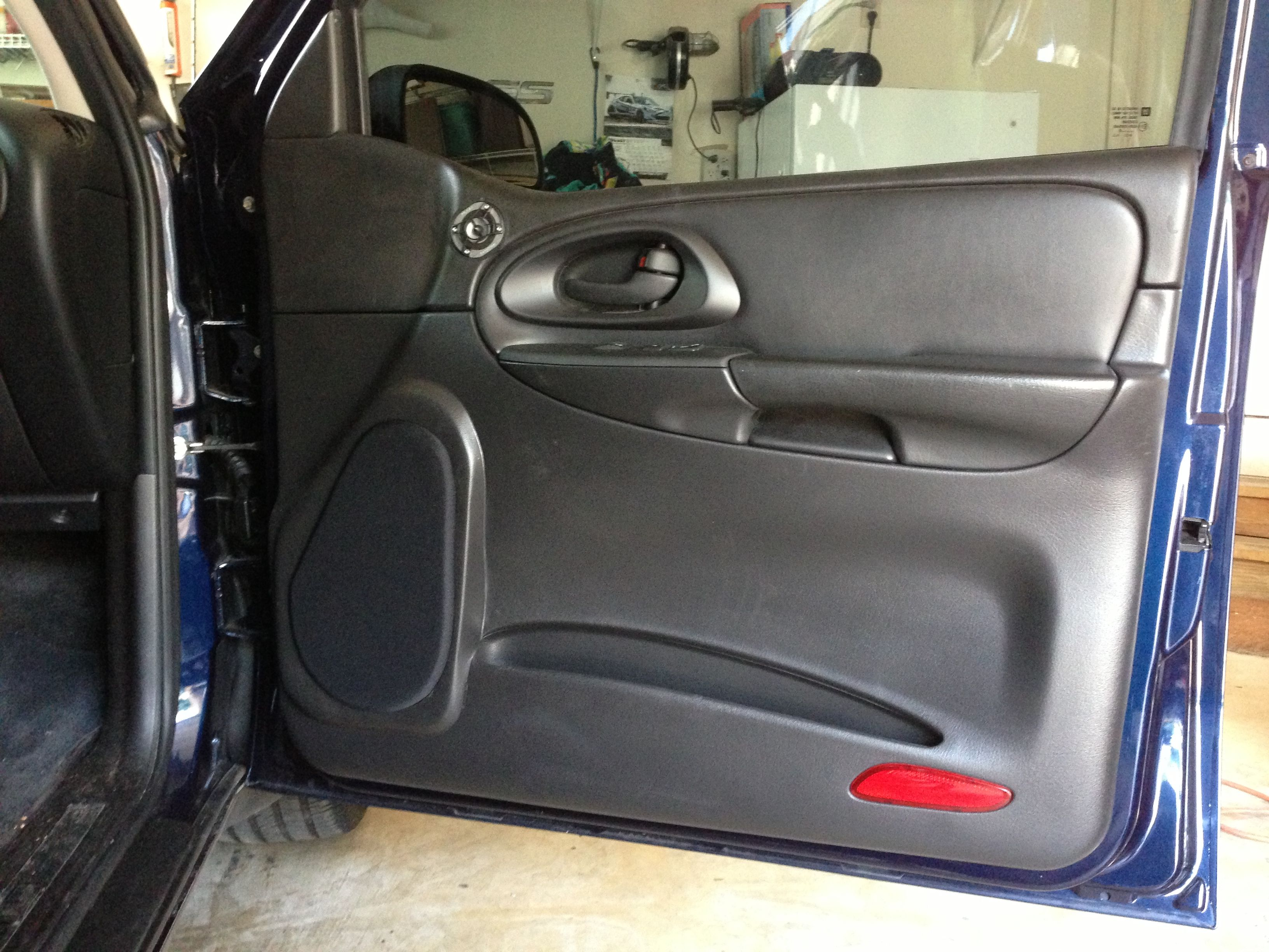 Front Door Panels Finished Trailblazer Ss Chevrolet Car Audio