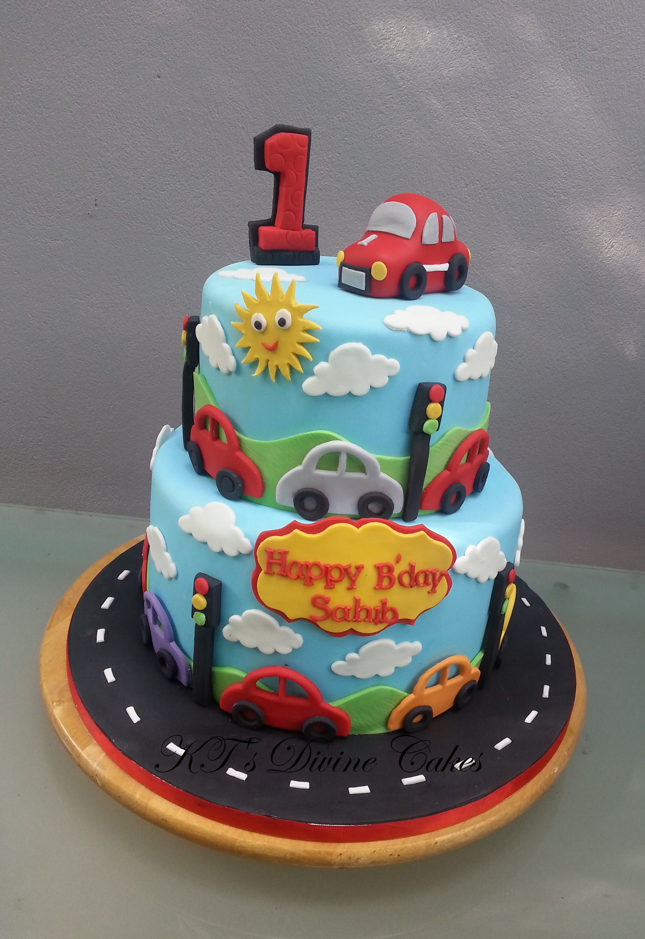 Pleasing 1St Birthday Car Cake With Images Cars Birthday Cake Baby Funny Birthday Cards Online Alyptdamsfinfo