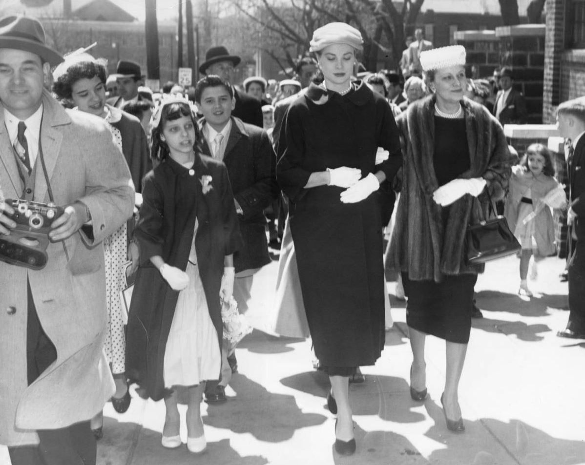 princessgracekelly1956:  Grace Kelly with her mother as they arrive at St. Bridget's Roman Catholic Church in Philadelphia for Easter services, March 1956