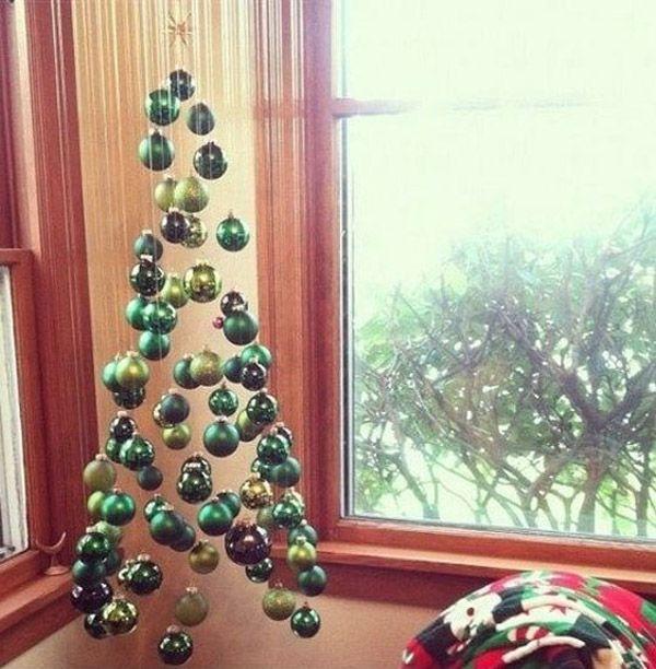 árbol De Navidad Con Bolas Suspendidas Arbol De Navidad Pared Arbol De Navidad Cosas De Navidad