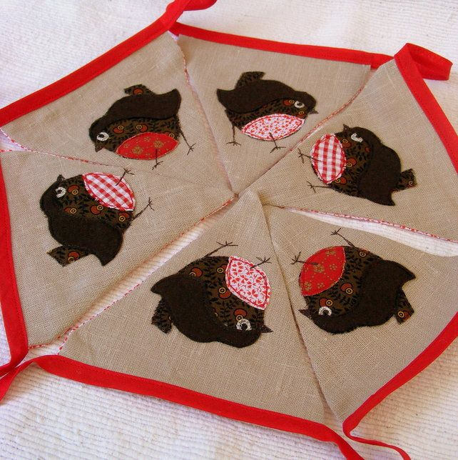 christmas robin bunting fiesty robin redbreasts feature on this handmade pure linen xmas bunting 6 flags with 2 of each 3 robin styles backed with red