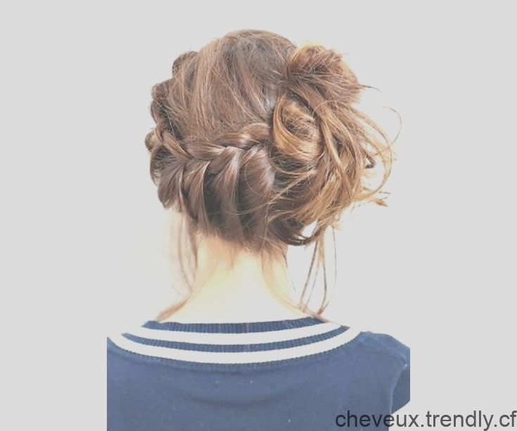 La tresse qui aboutit sur un chignon flou | GLAMOUR PARIS | Hair styles, Beauty, Dreadlocks