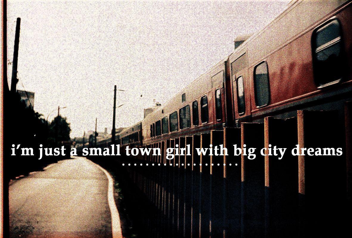 TOEFL writing 2 essey: Big city vs small town