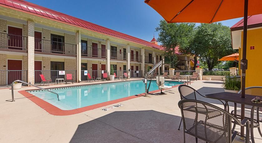 Red Roof Inn & Suites Addison Addison Featuring free WiFi