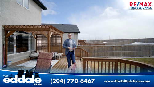 Check Out This Gorgeous Home Located In River Park South At 68 Eb Claydon Road From Granite Countertops To A Large Fully Landsc River Park Park South Backyard