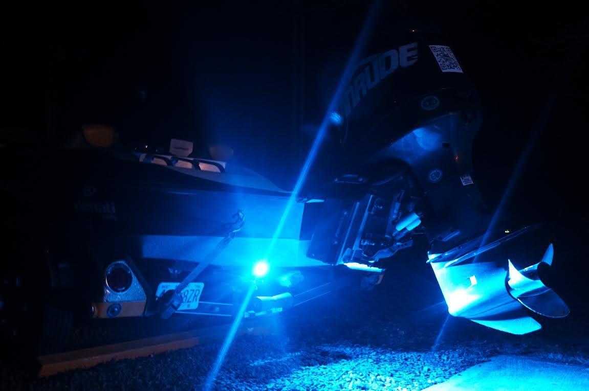 Set of blue underwater led boat lights installed on for Underwater led fishing lights