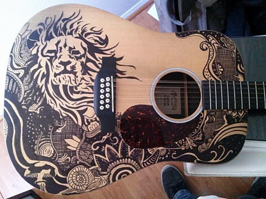 рисунки на гитаре фото последние годы