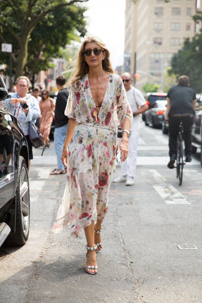 Sarah Rutson wearing Alaia shoes                  Image Source: Getty / Melodie Jeng