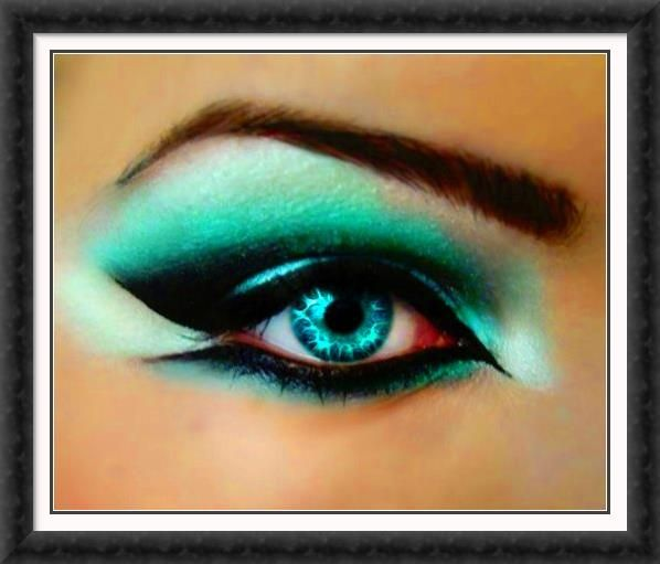 """Really blue contact lenses make your eyes """"shine"""", whether for halloween or all day - you can choose!"""