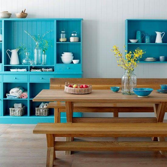 Mesa con bancos de madera para la cocina | Aparador cocina ...