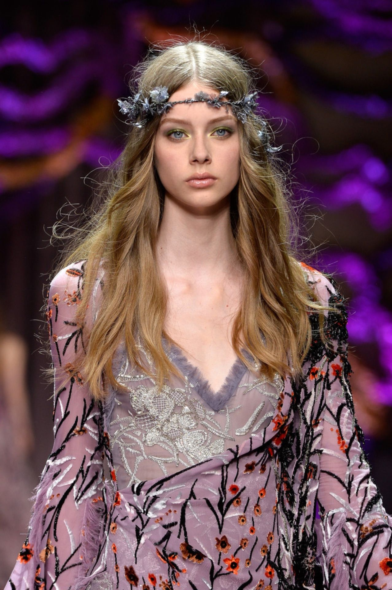 Empress Empire Lauren De Graaf Dark Blonde Hair Fashion Shows 2015