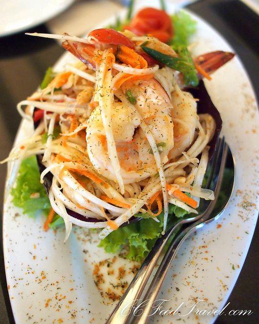 Fine Thai cuisine - Mövenpick Karon Beach, Phuket.