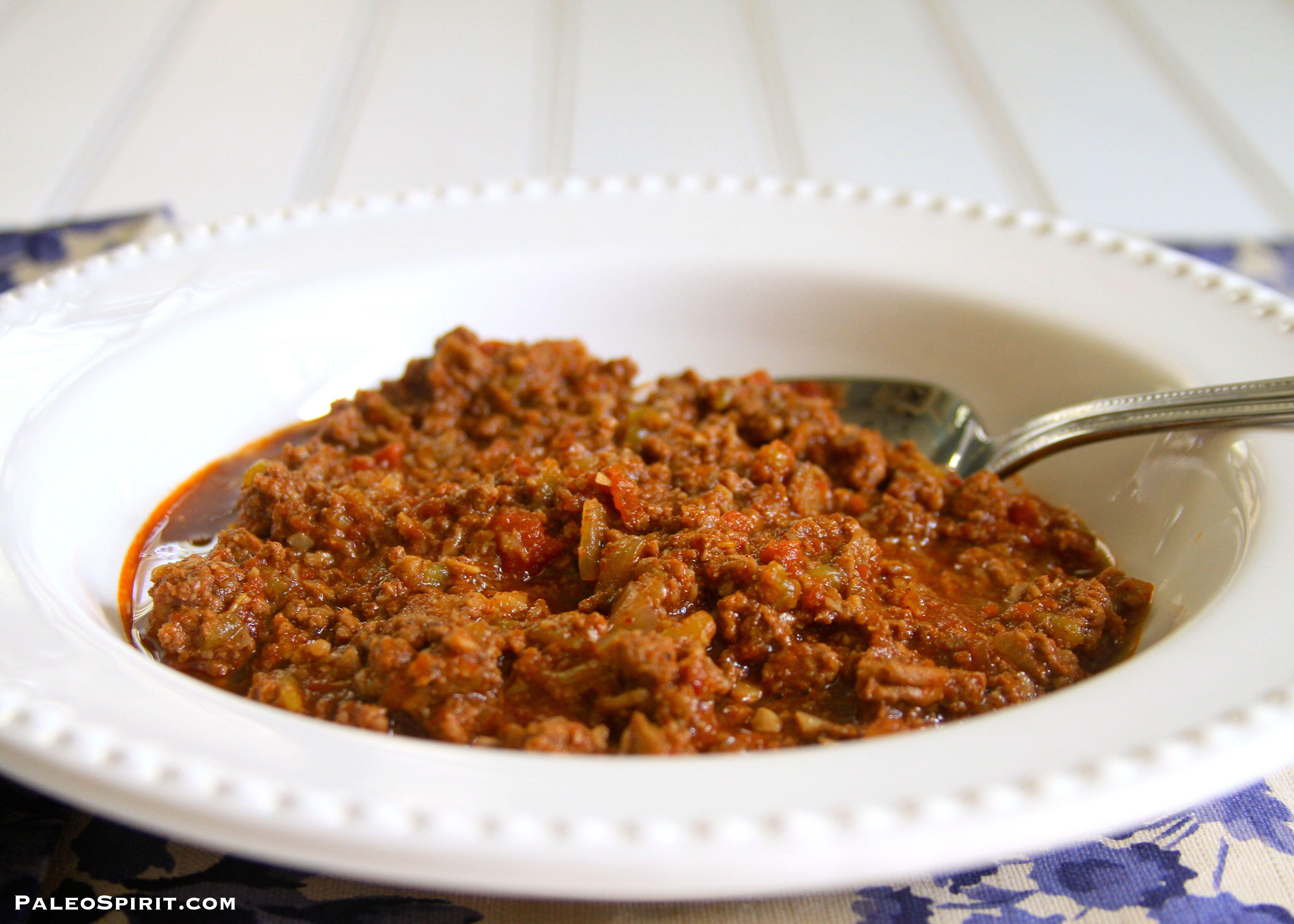 Paleo Chipotle Chili recipe. Easy, low-carb, spicy, no bean paleo chili