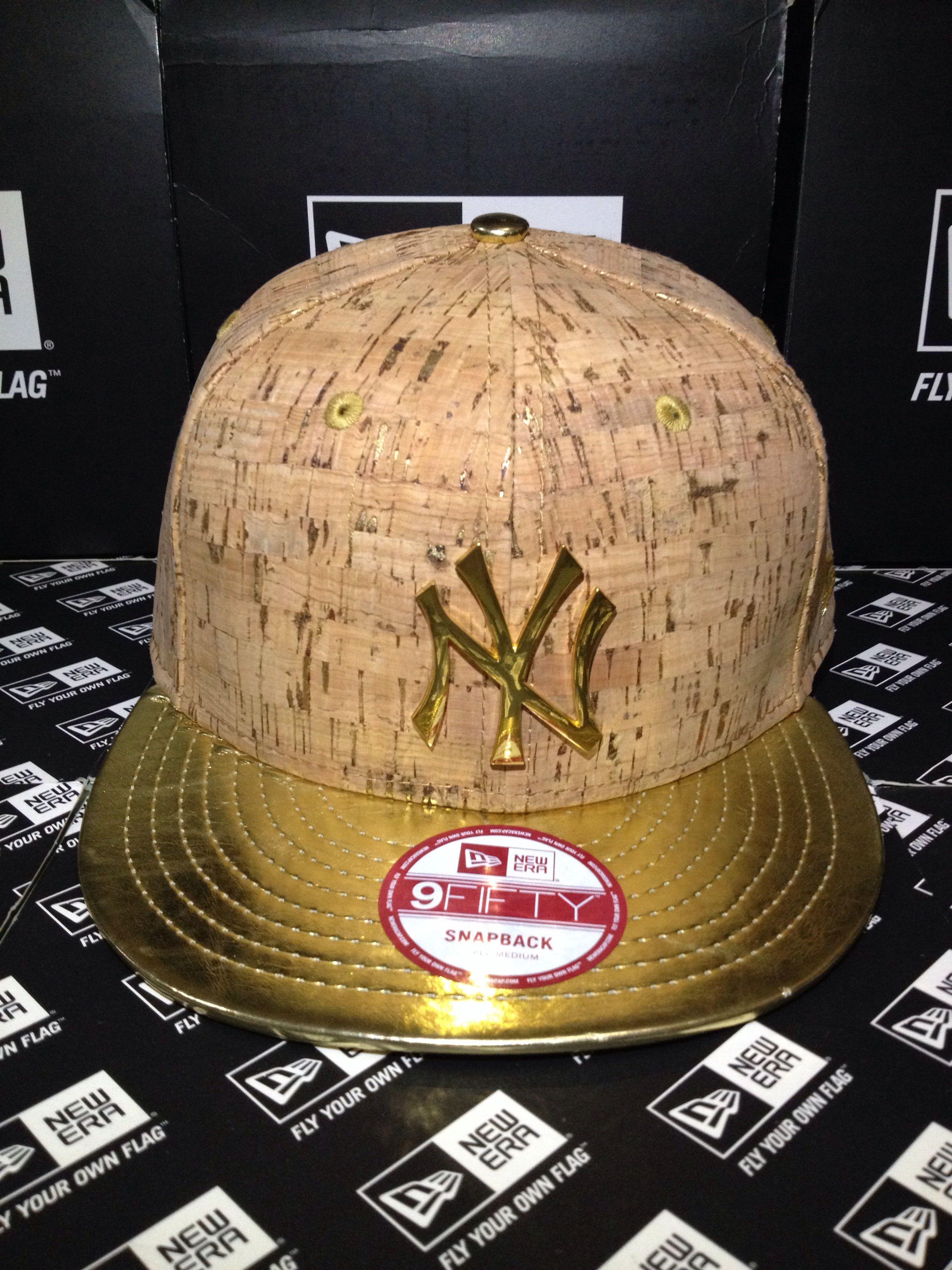 090639555722f New York Yankees MLB Metal Badge Gold and Crown Cork Material with Gold  Visor New Era 9FIFTY Snapback Small Medium  newera  neweracap  snapback   9fifty