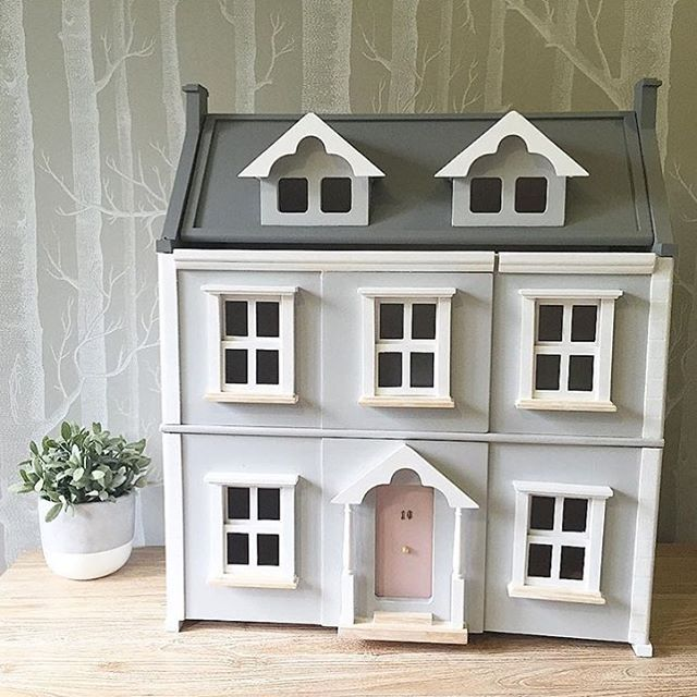 I Think It S Time To Work On The Inside Of Farrah S Little House I Envision Chunky But Pretty Piece Doll House Plans Cardboard House Furniture Project Plans