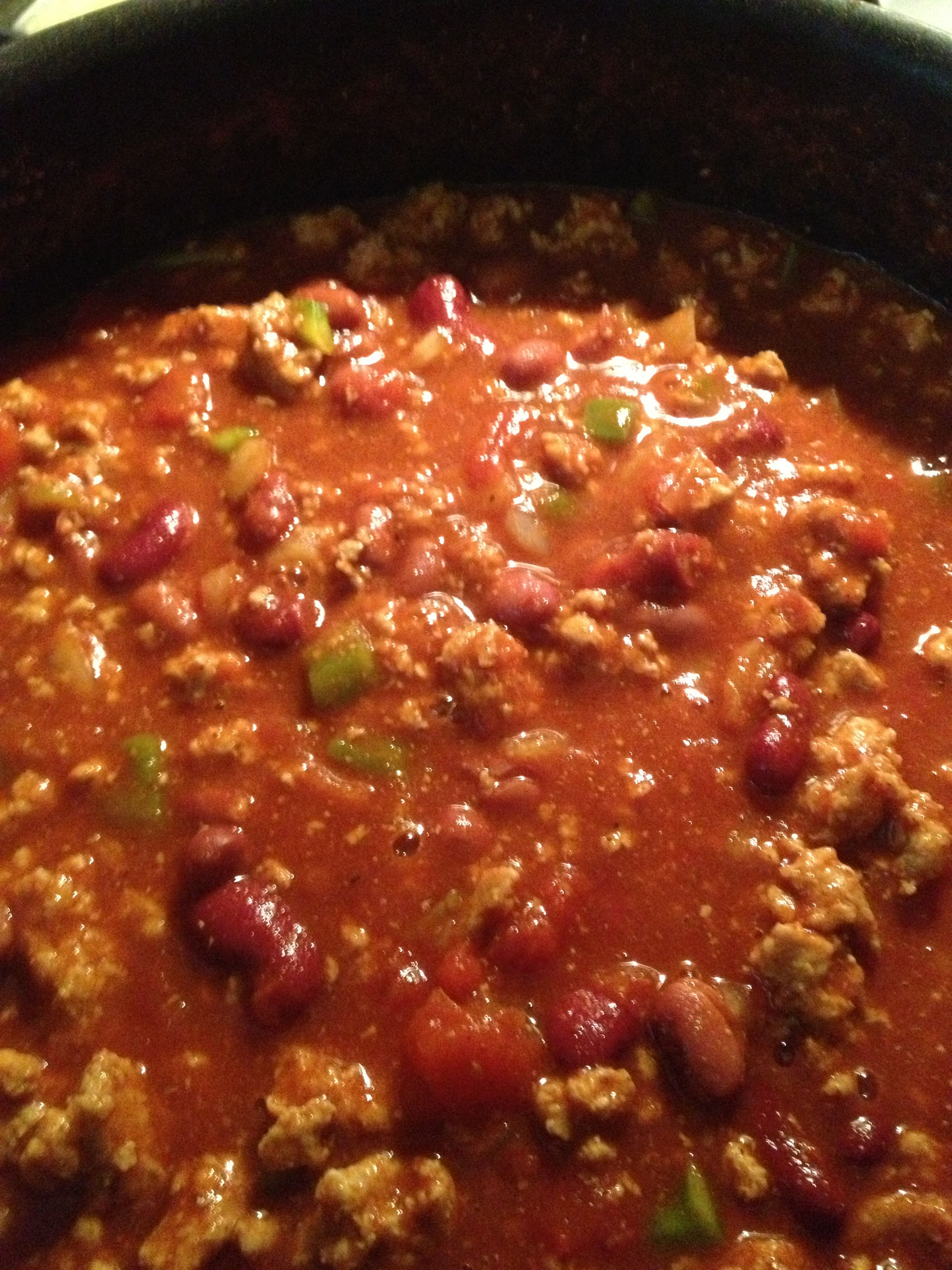 Easy Chili 2lbs Ground Beef Turkey Lg Can Of Tomato Sauce Lg Can Of Diced Tomatoes Green Pepper Onion Jalapeno Chili No Bean Chili Savoury Food Cooking