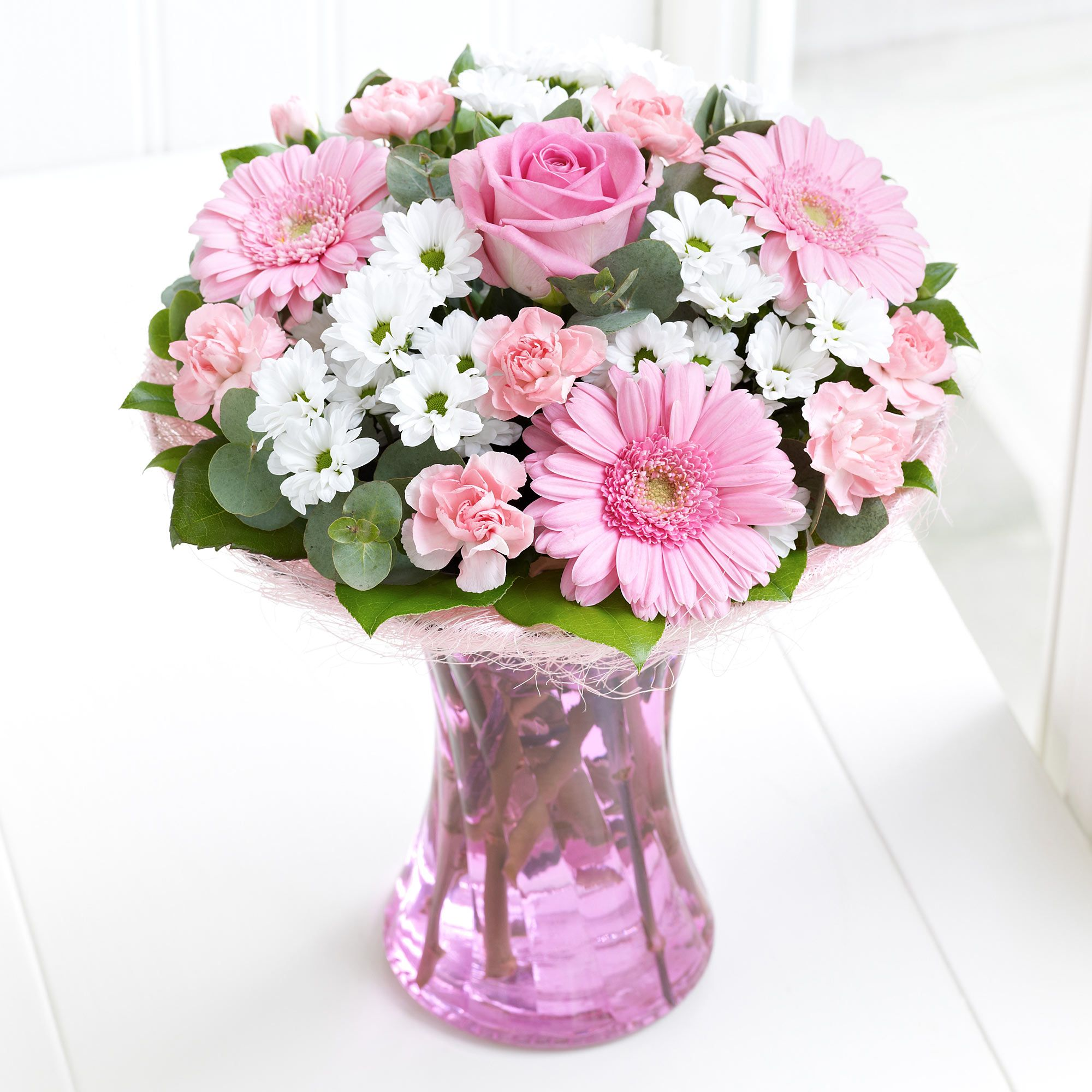 Our pink gift of flowers are a perfect surprise for a loved one our pink gift of flowers are a perfect surprise for a loved one izmirmasajfo Choice Image