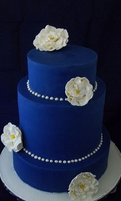 Peacock Wedding Cake Ideas, Color Palettes at www.wedmepretty.com http://www.wedmepretty.com/plan-your-peacock-wedding/