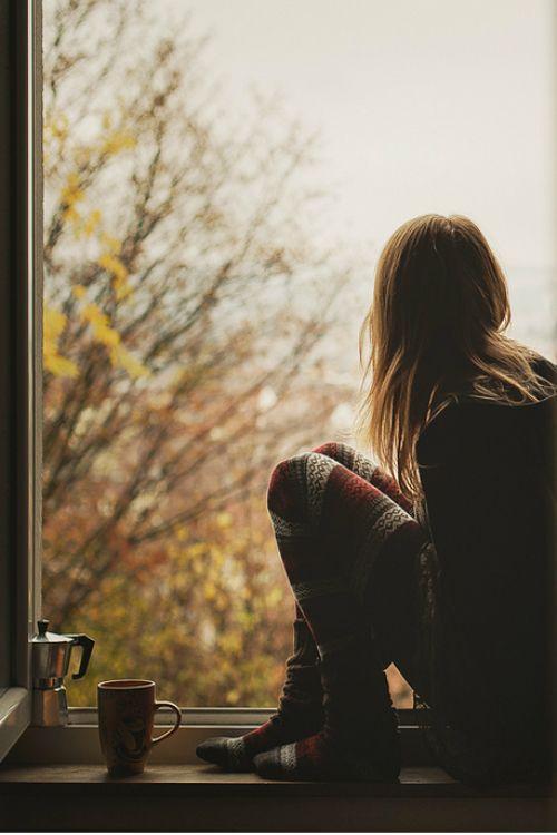 Девушки со спины картинки на аву грустно