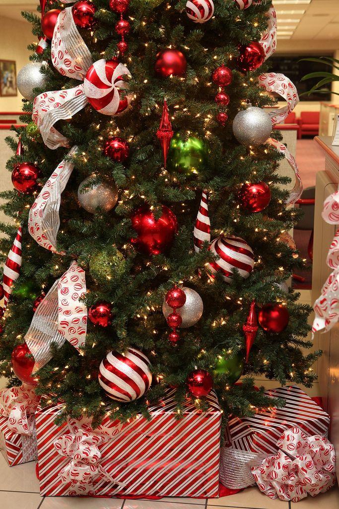 Christmas Presents Christmas Tree Red And Silver Christmas Tree With Presents Christmas Tree Themes