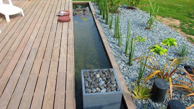 cr er un bassin contemporain dans votre jardin jardin original jardins bassin et bassin. Black Bedroom Furniture Sets. Home Design Ideas
