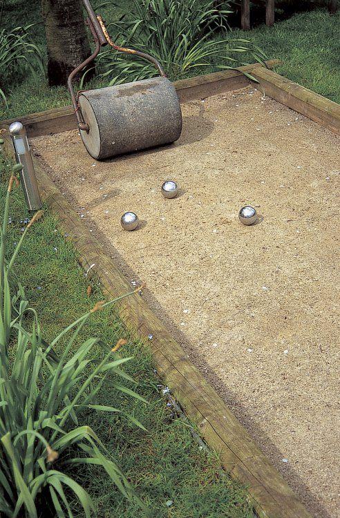Terrain de p tanque jardin pinterest p tanque boule - Terrain de petanque dans son jardin ...