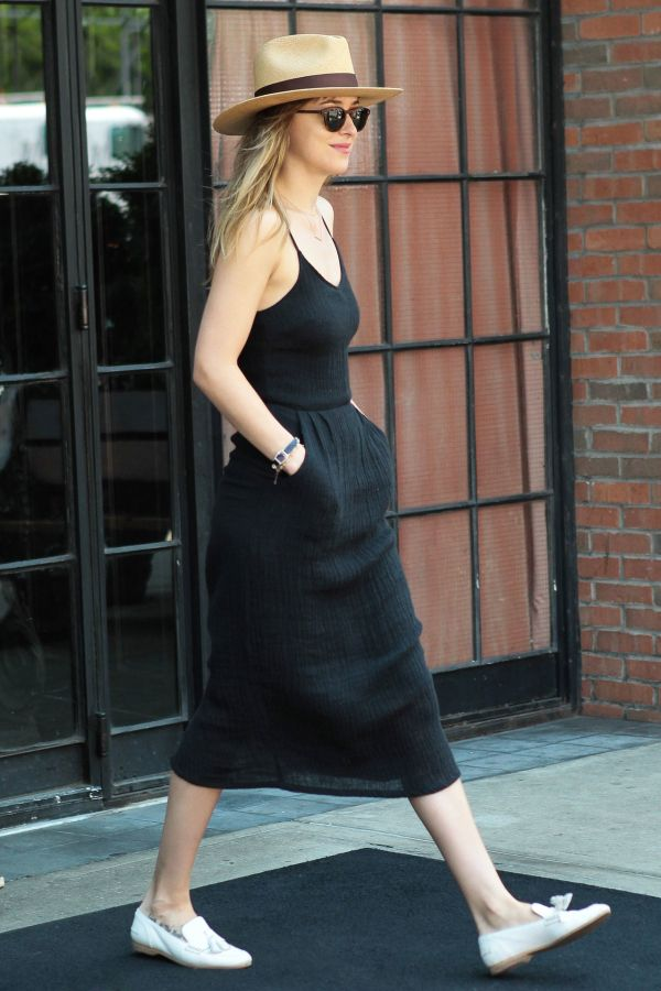 The Flat Shoes You Need For Fall Summer Style Dakota Johnson