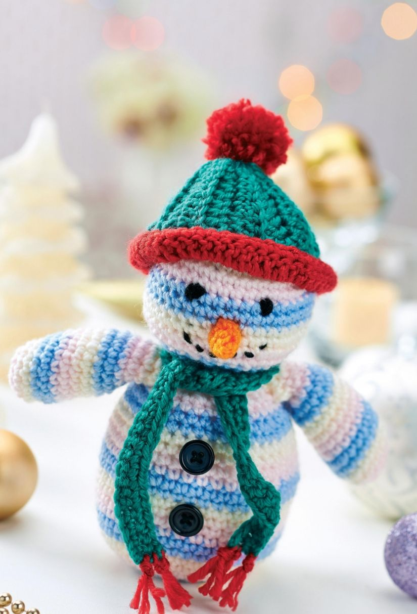 Crochet snowman toy/ how cute is this little guy? and he\'s FREE ...