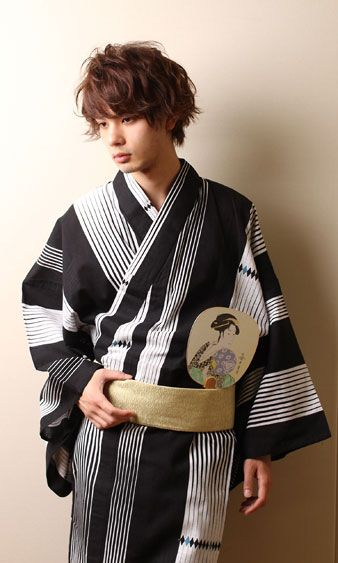 yukata summer kimono kimonos samurais in 2019 pinterest moderne kleidung anziehsachen. Black Bedroom Furniture Sets. Home Design Ideas