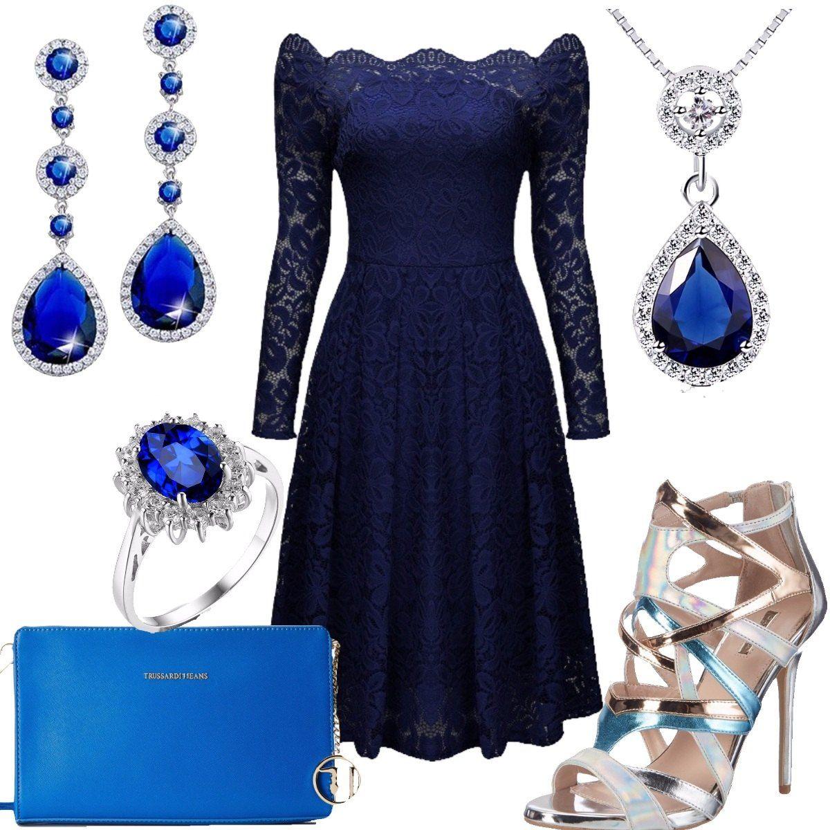 66193417b2d0 Outfit composto da: vestito blu notte elegante in pizzo con maniche lunghe,  pochette Trussardi, chiusura a cerniera con catena pendente e logo, ...
