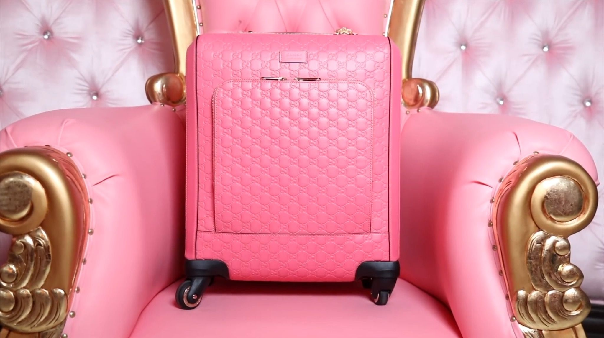 aba0de2769b5 GUCCI MADE ME PINK CUSTOM LUGGAGE! - Jeffree Star