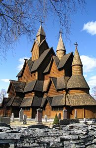 L'église en bois debout de Heddal, Norvège - Photo: Berit Lindheim ...