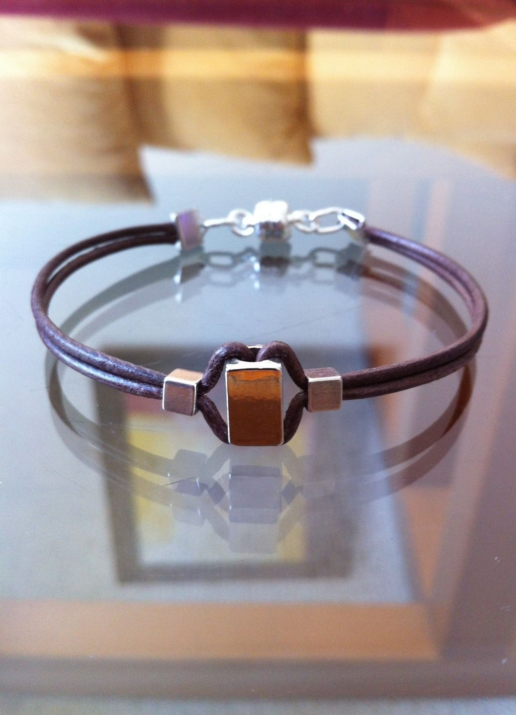 bracelet homme cuir marron deux rangs et perles en m tal. Black Bedroom Furniture Sets. Home Design Ideas