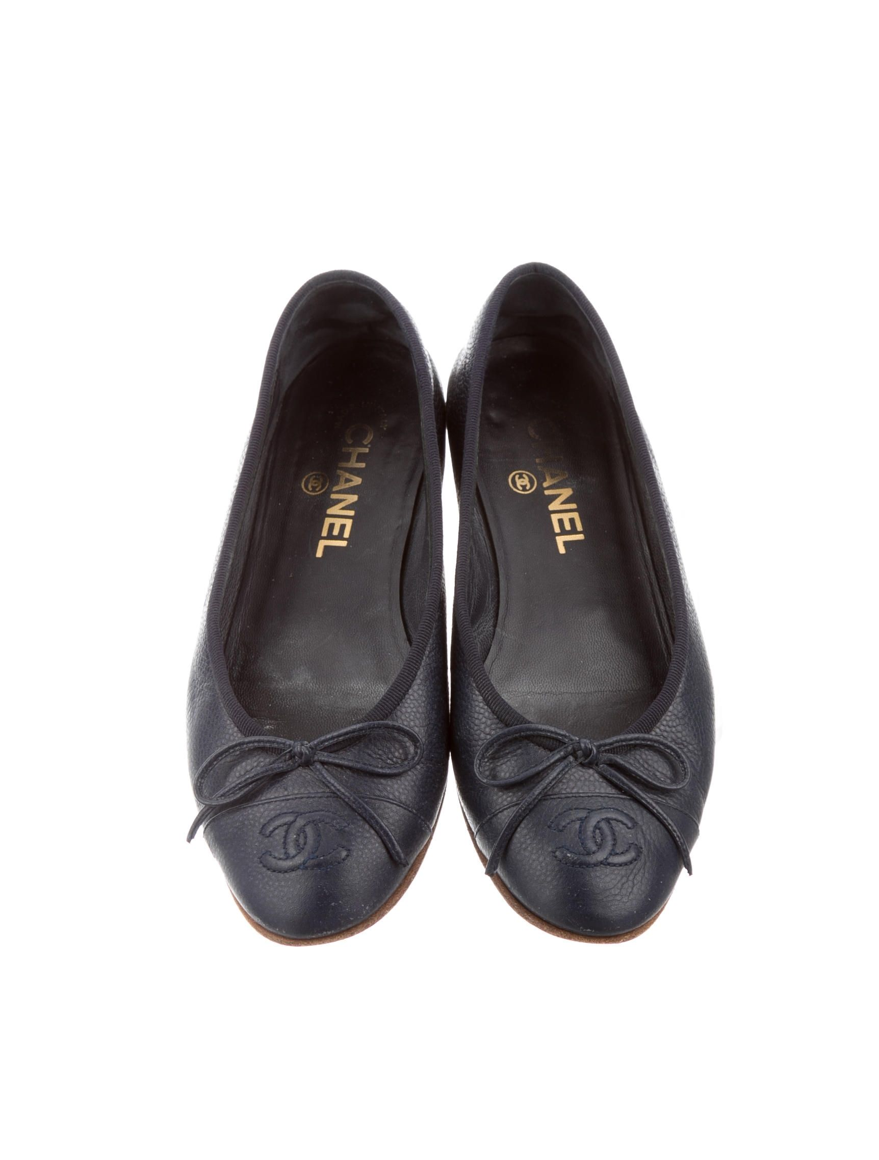 6d9d2da39d3 Chanel Navy Flats. Get the must-have flats of this season! These ...