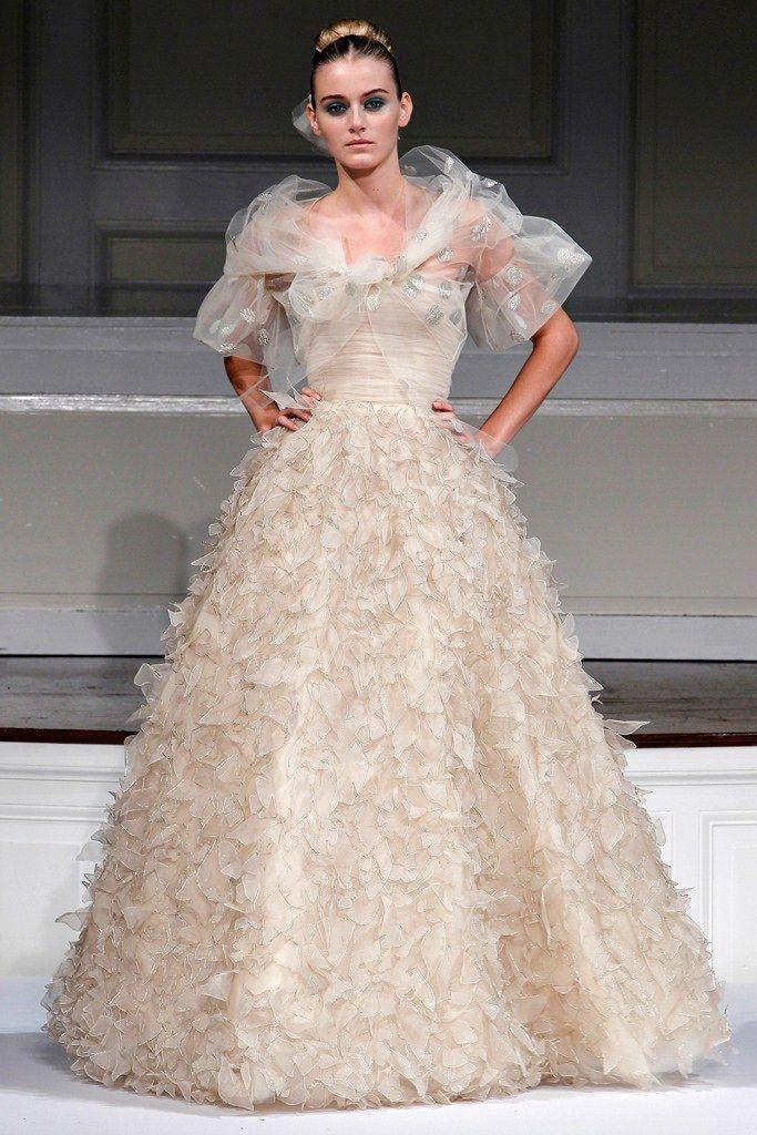 Oscar de la Renta Spring 2011 Ready-to-Wear Fashion Show - Kori Richardson
