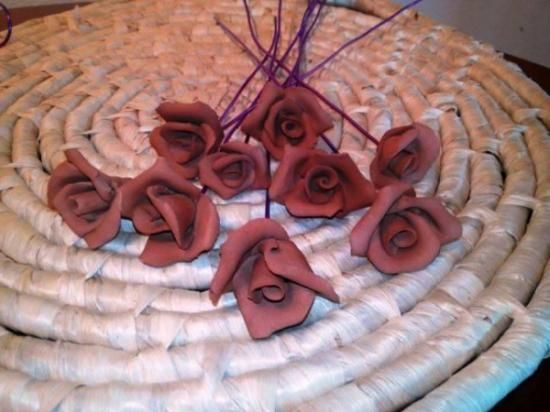 Rosas de ceramica al natural o color