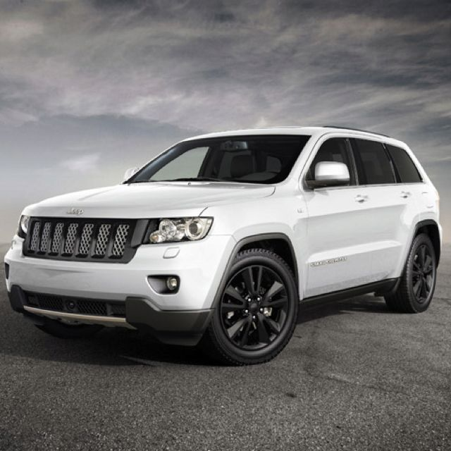 Grand Cherokee White With Black Rims 3 Jeep Grand Cherokee Sport Jeep Grand Cherokee 2012 Jeep Grand Cherokee